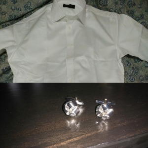 French cuffs, spread collar and silver knot cufflinks